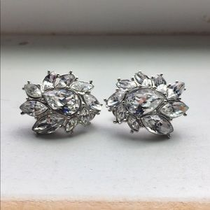 Jewelry - Lovely crystal Clip earrings